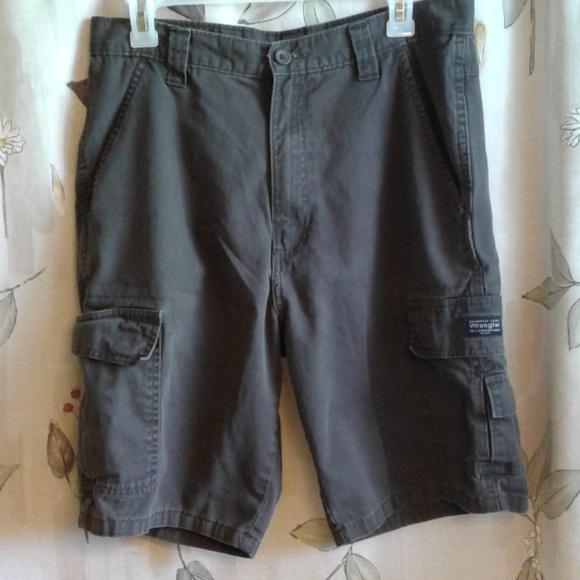 Wrangler Other - Men's Wrangler Cargo Shorts, Size 32
